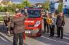 Silvia Weiss, Feuerwehrkurat Franz Winter, Ehrenkommandant Fritz Grass, Patin Christa Schnauer und Kommandant Josef Fischer (von links). Foto: Leneis