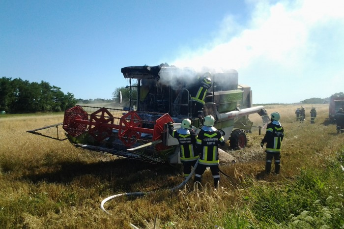 Mähdrescherbrand in Reith 22.07.2013