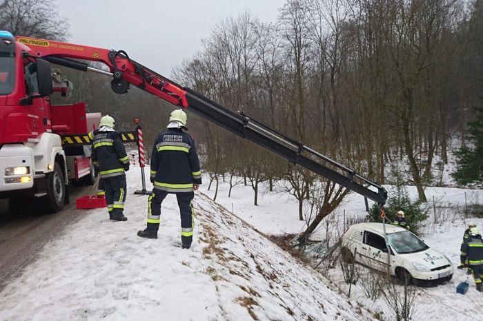Fahrzeugbergung für die FF Langenlois am 25.01.2016 auf der LH 44