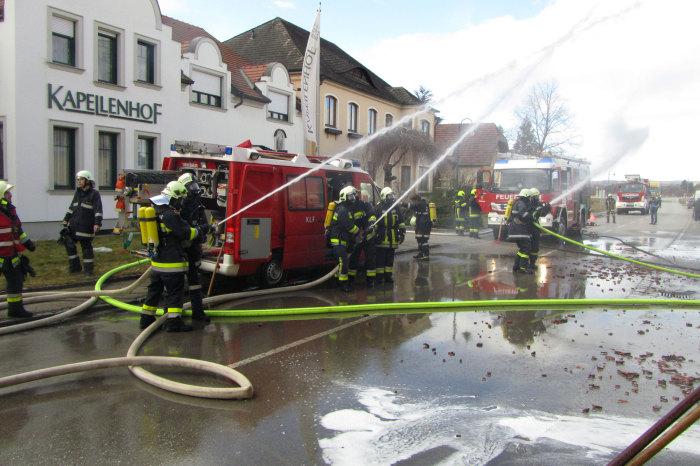 Walkersdorf: 8 Feuerwehren im Einsatz bei Wohnhausbrand
