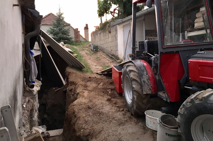 Menschenrettung: Mann in Baugrube verschüttet