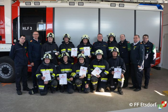 Feuerwehr Etsdorf absolvierte Ausbildungsprüfung Atemschutz in Gold