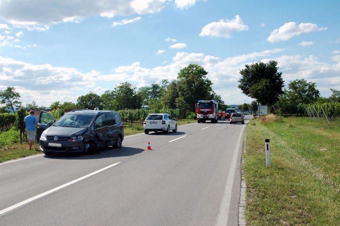 Verkehrsunfall mit 3 beteiligten PKW`s auf der Bundesstraße 34