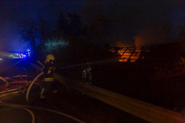 Personen bei Wohnhausbrand in Schiltern gerettet