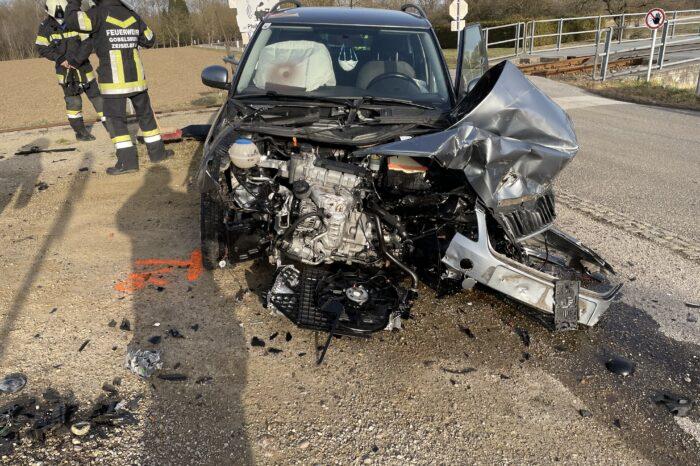 Verkehrsunfall PKW gegen Triebwagen der ÖBB in Gobelsburg